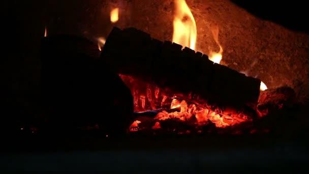 pizza trouba oheň zblízka