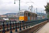 Fényképek sárga villamos Budapest város Magyarország