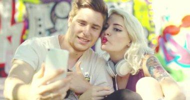 Скачать гей видео для мобильного телефона бесплатно