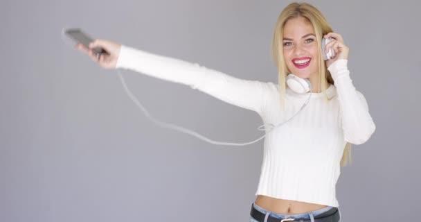μαύρο και λευκή γυναίκα πορνό