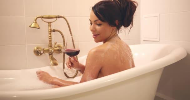 В бане жен видео — 10