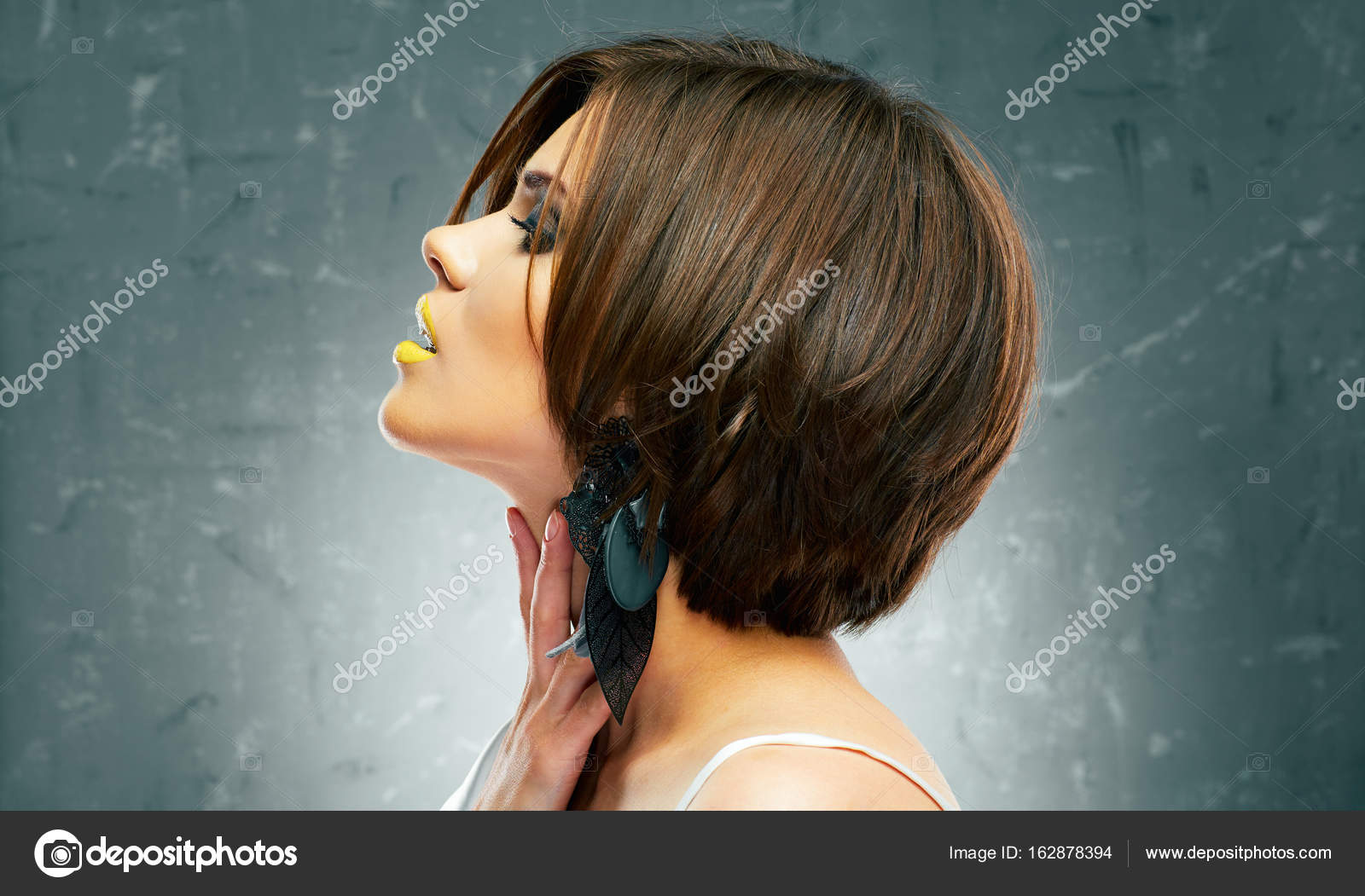 Photos Haircuts For Medium Length Hair Profile Face