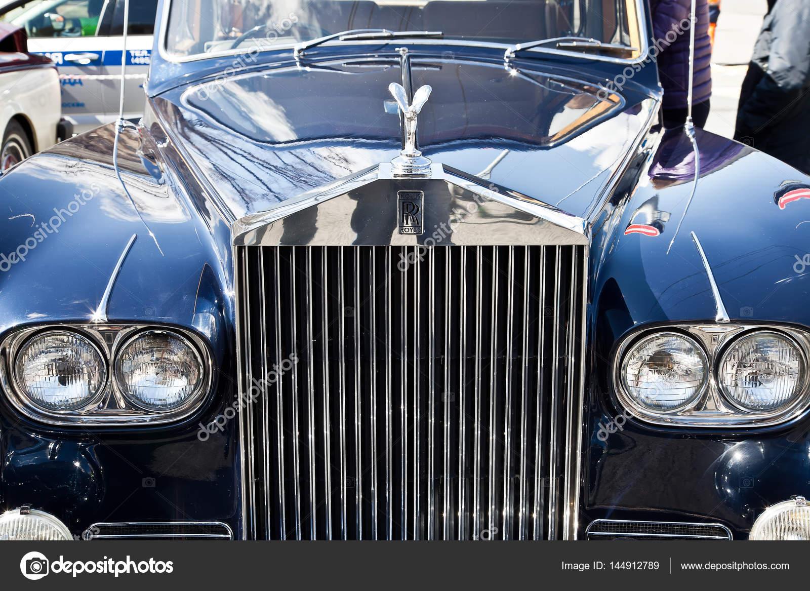ロールス ・ ロイスの車のエンブレム , ストック編集用写真