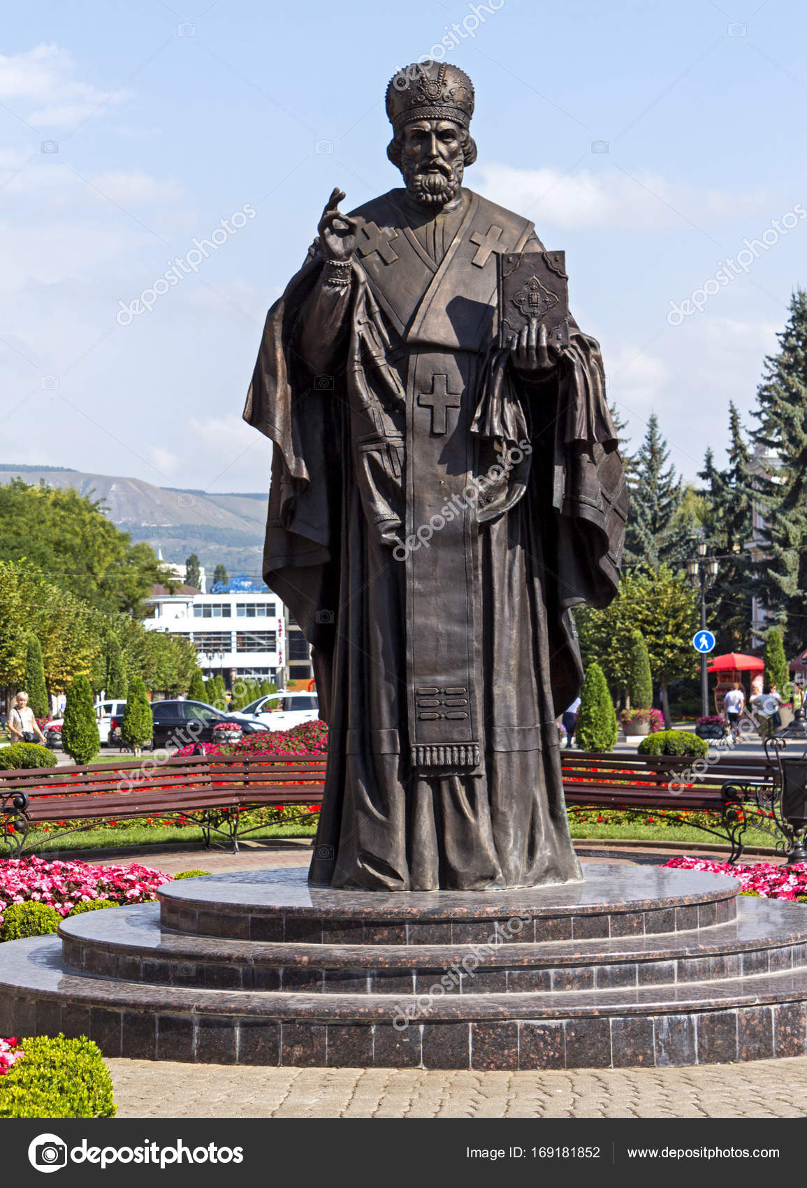 изготовление памятников москва крест