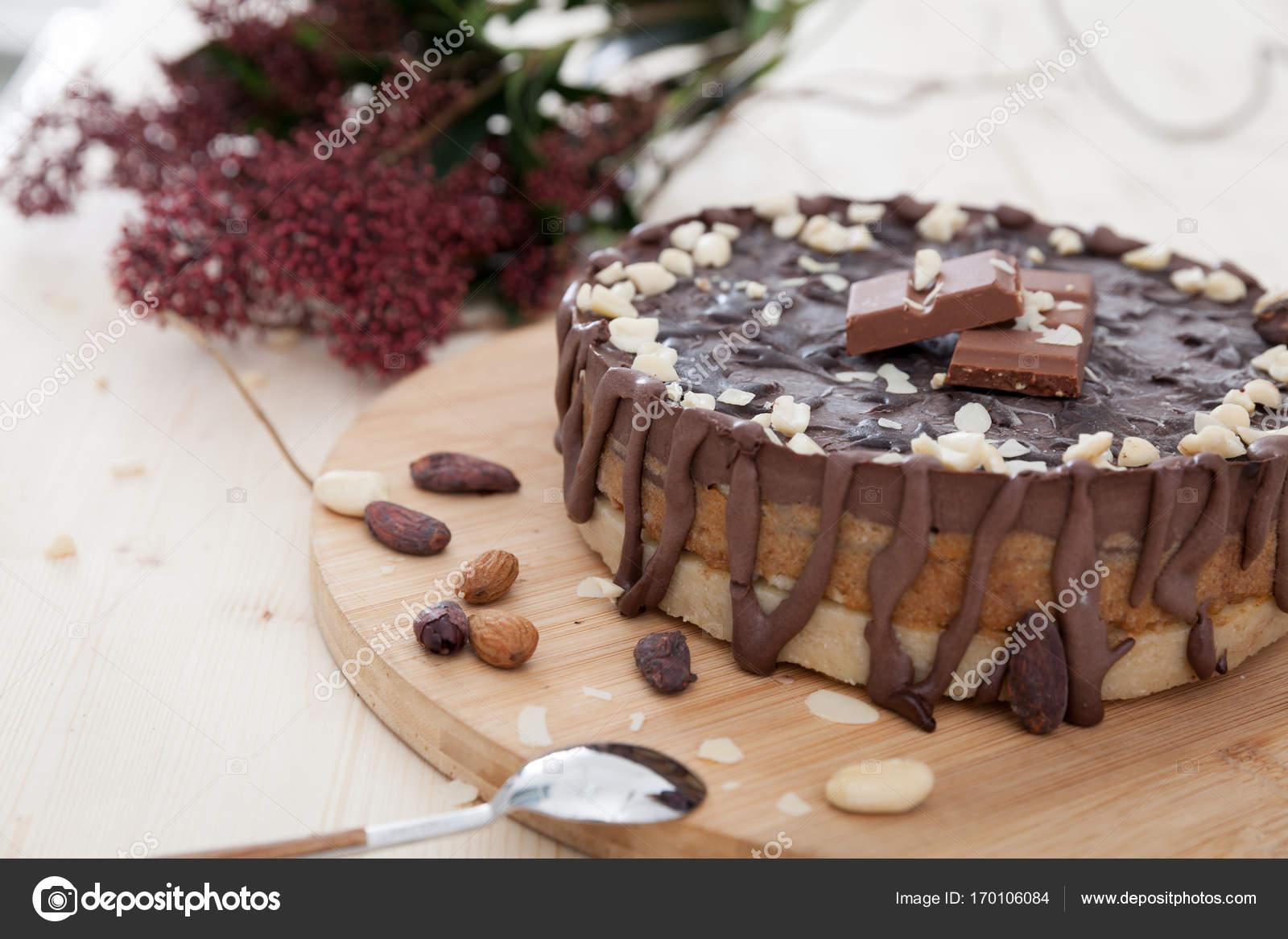 Vegane Snickers Kuchen Stockfoto C Blanaru 170106084