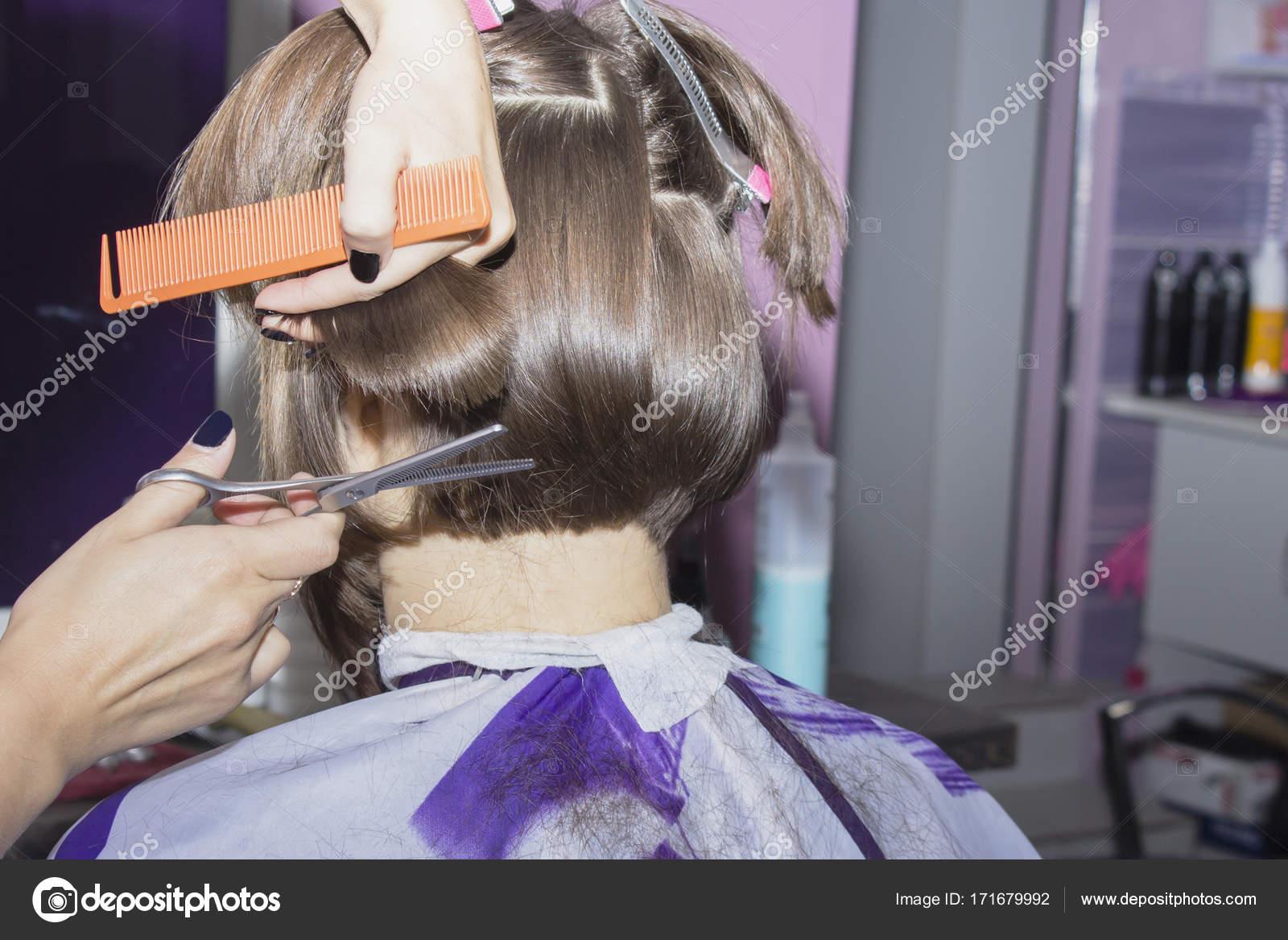 Pettine che taglia i capelli
