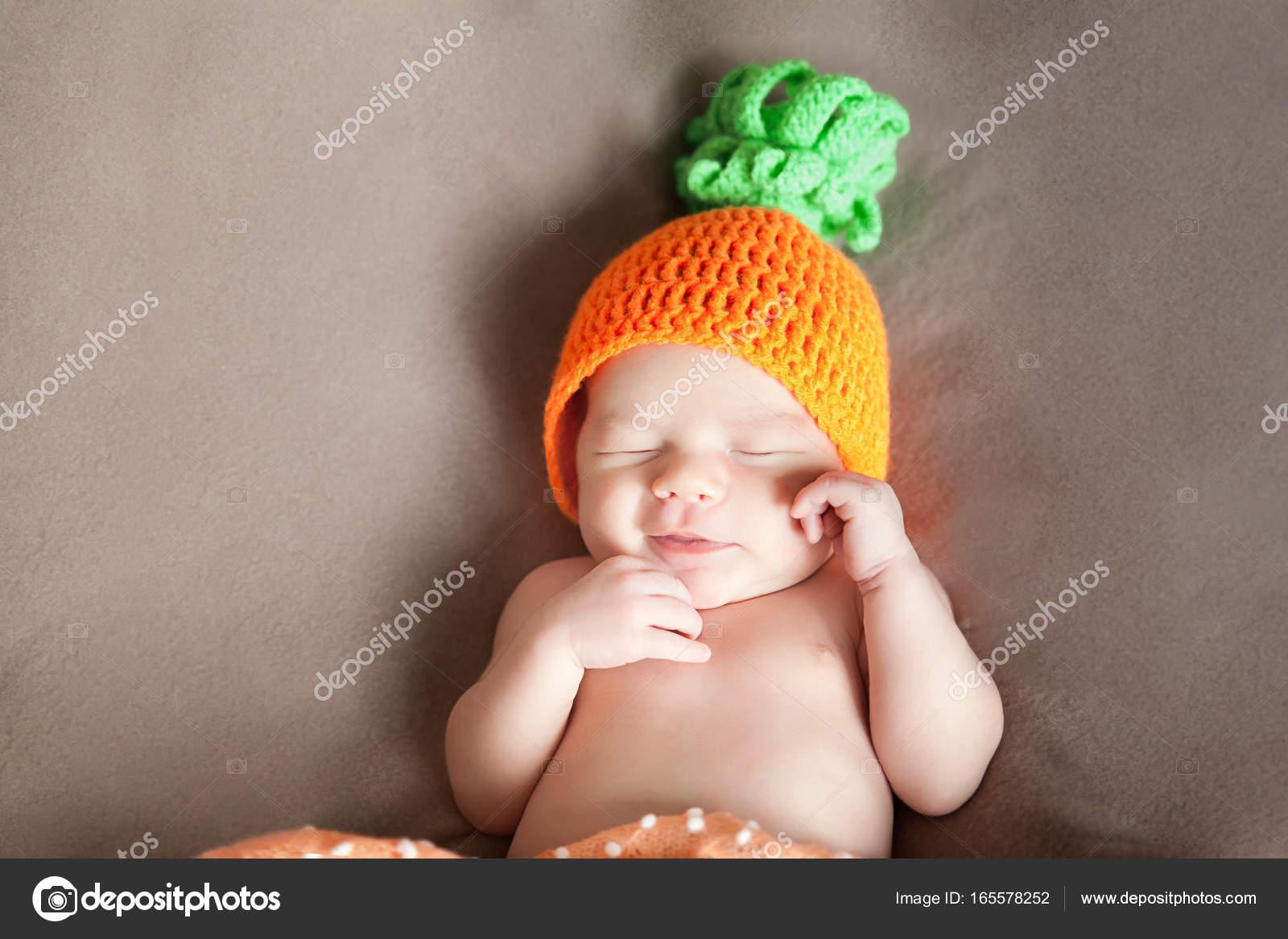 Bambino appena nato 27cbe8d6cee4