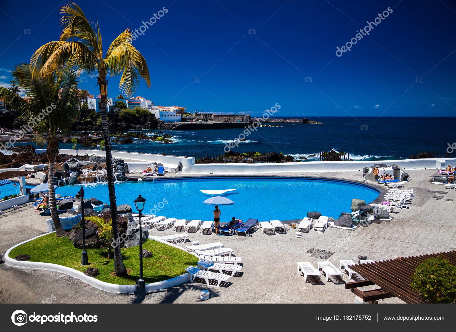 Complexo de piscinas lago martianez fotografias de stock for Piscinas martianez
