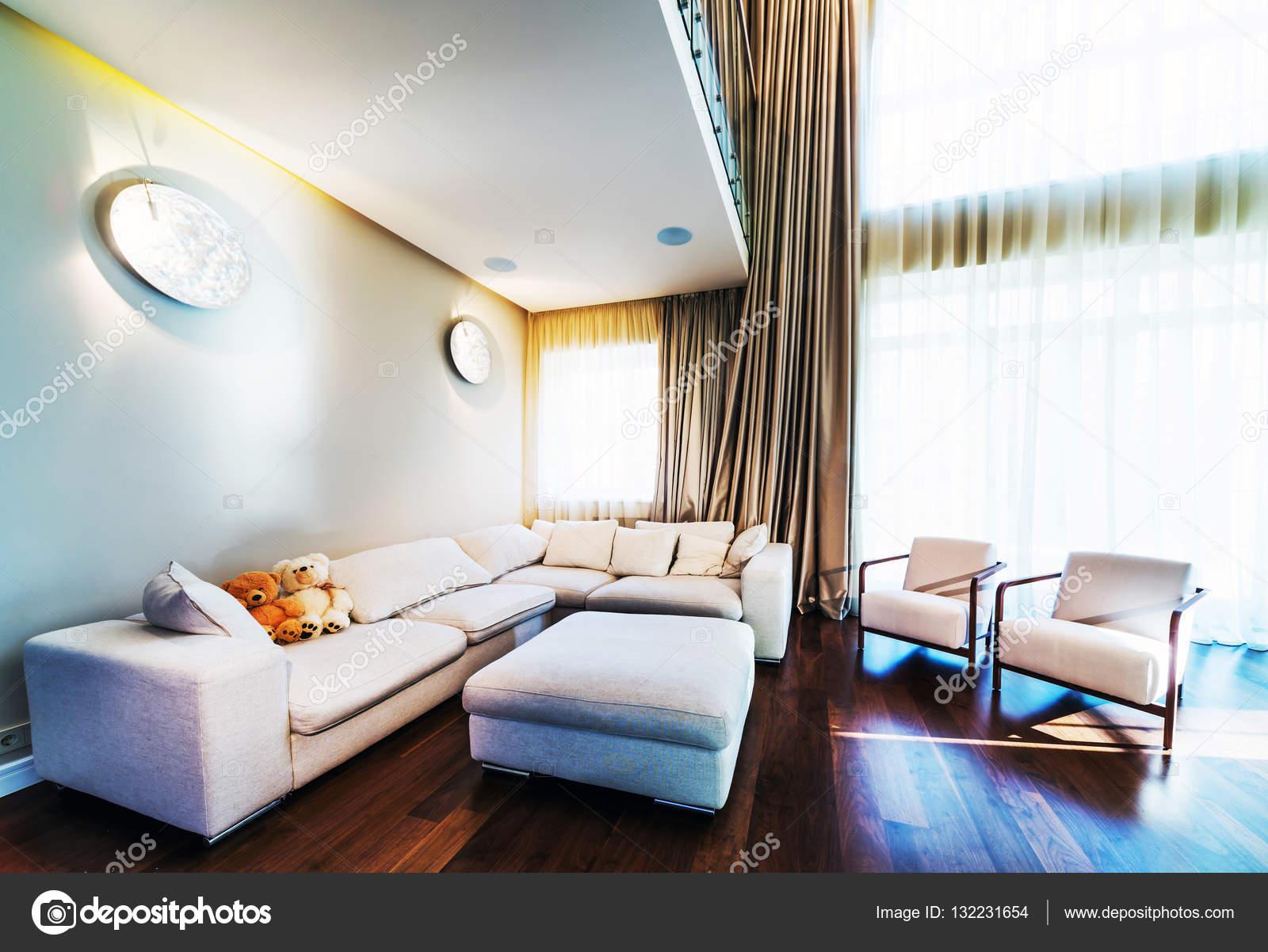 New elegant living room — Stock Photo © baburkina #132231654