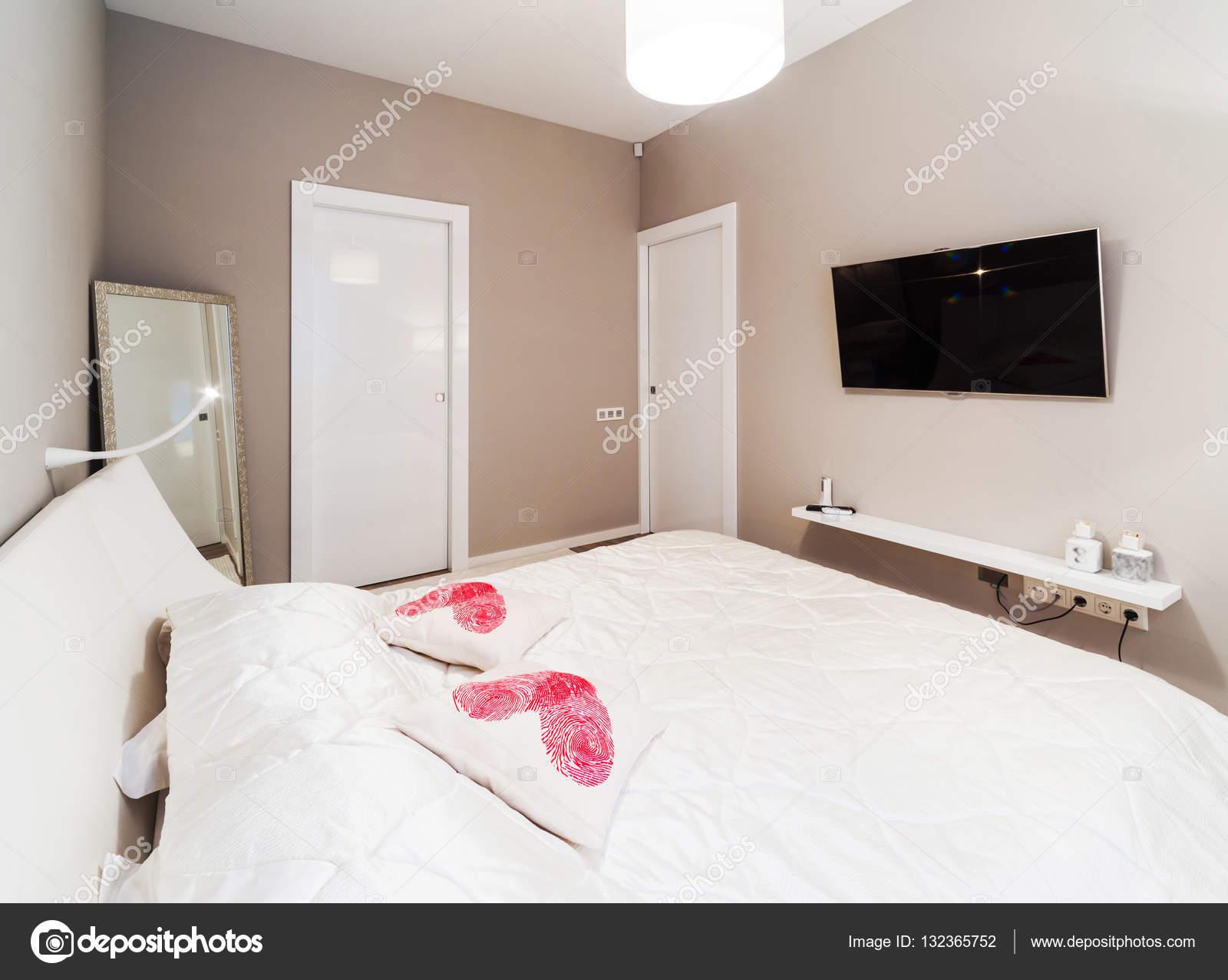 Kleuren In Interieur : Slaapkamer interieur in beige kleuren u stockfoto baburkina