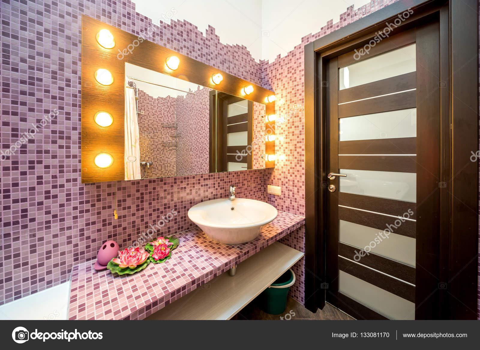 Moderne Badezimmer Interieur Mit Mosaik Schwänzen U2014 Stockfoto