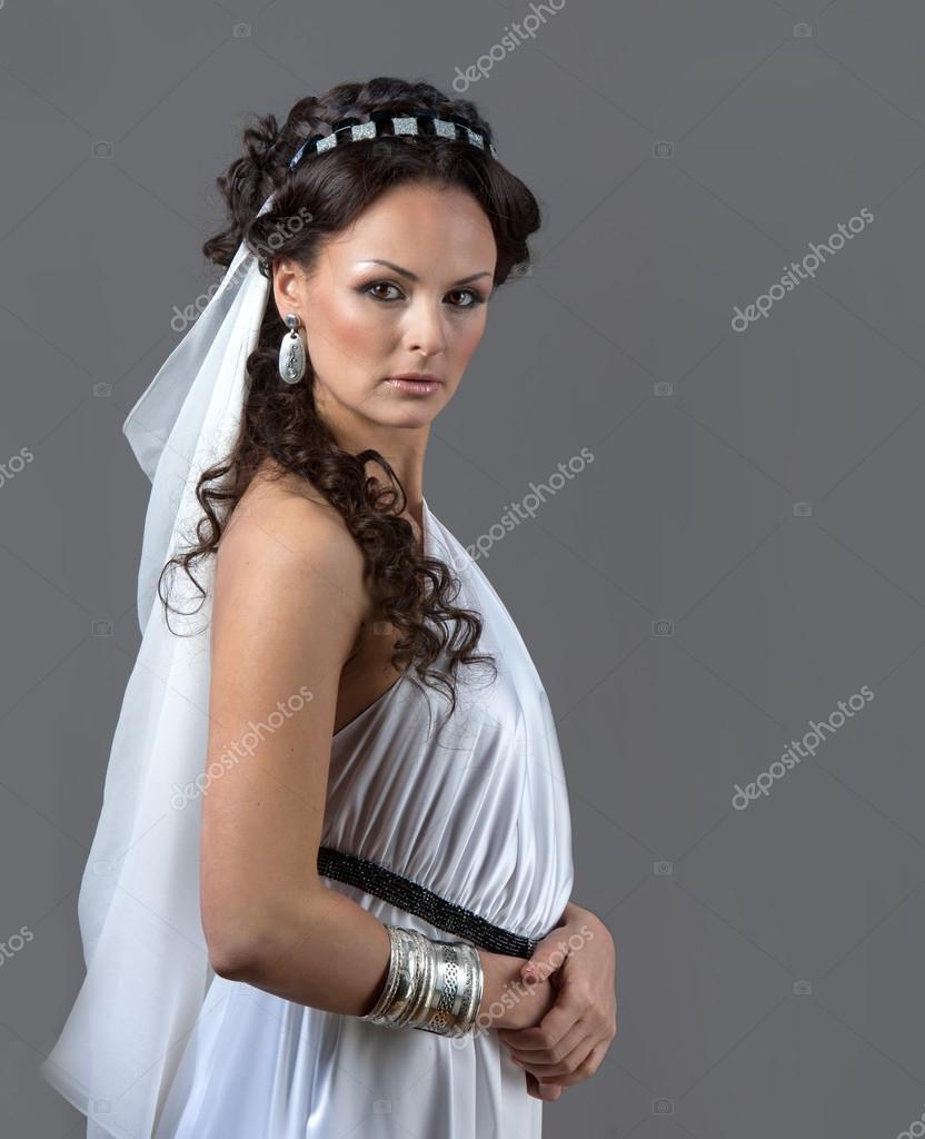 La Grece Antique Une Femme Vetue D Une Robe Blanche Photographie