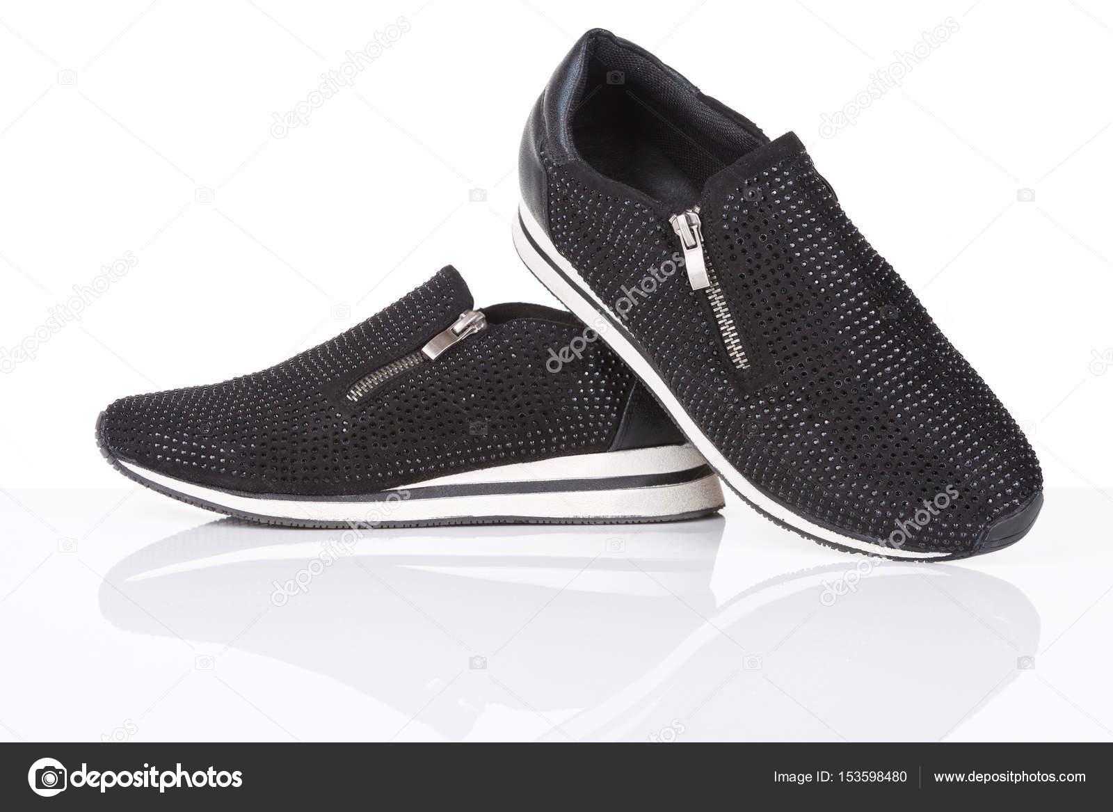 Μαύρα αθλητικά παπούτσια με στρας — Φωτογραφία Αρχείου © gsermek ... 4ca54364053