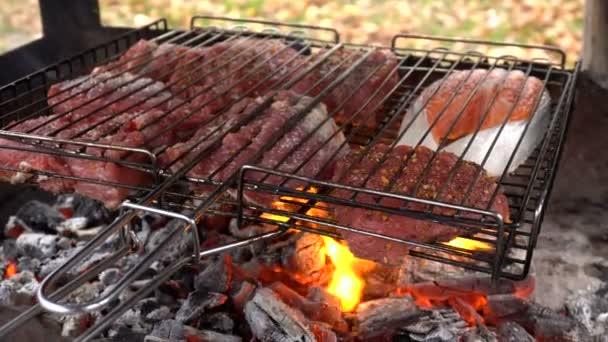 Maso a ryby, grilování na grilu