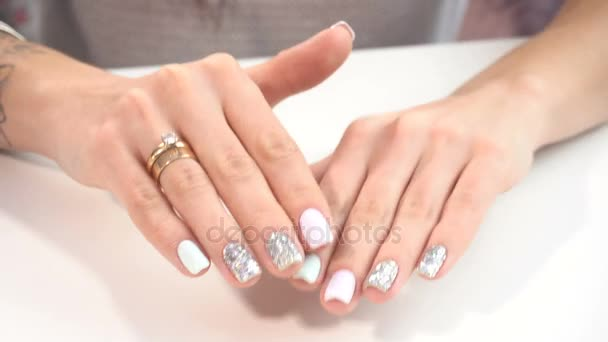 Krásu rukou manikúra
