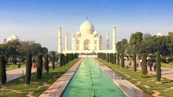 Taj Mahal Landscape in a sunny day
