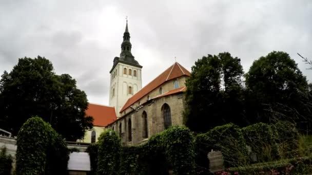 Ciytscape Blick auf die Altstadt und St. Nikolauskirche Niguliste in Tallinn, Estland