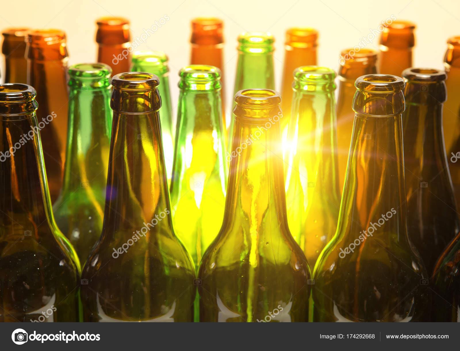Село на бутылка, Порно с бутылкой - Жещины пихают себе во влагалище 25 фотография