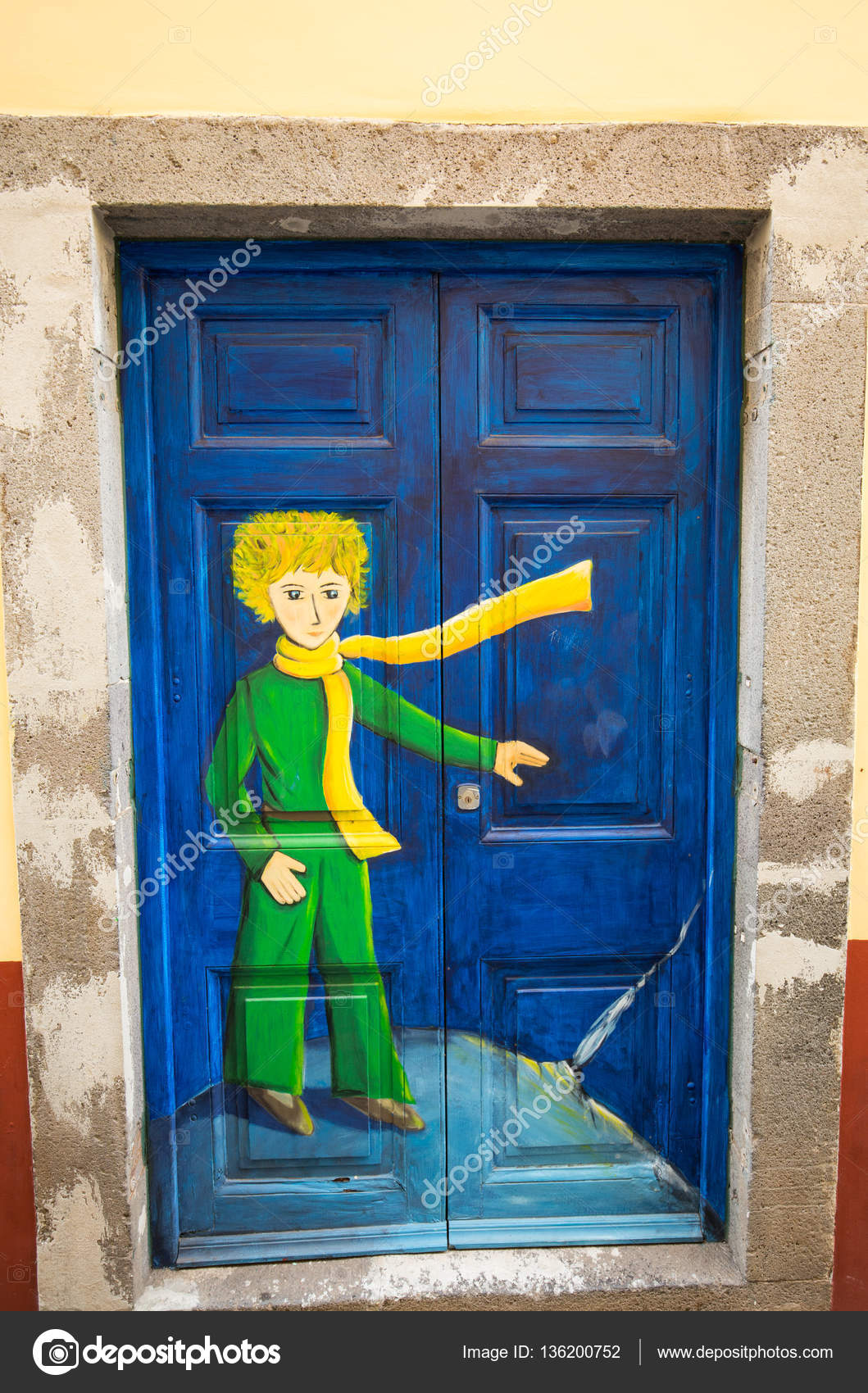 open door painting. The Art Of Open Door In Street Santa Maria. A Project Which Aims Painting