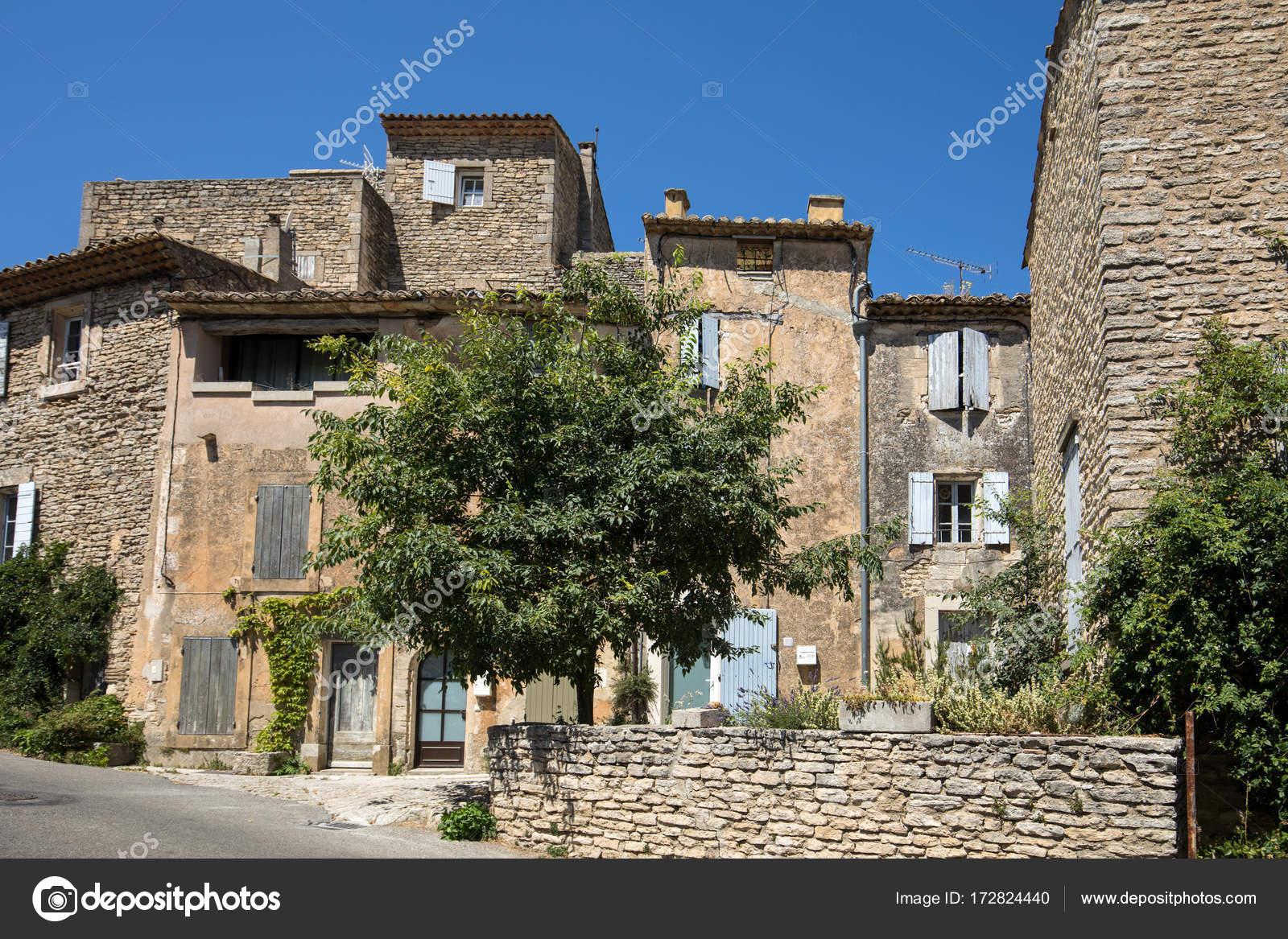Case In Pietra Antiche : Tipiche antiche case in pietra nel villaggio di gordes vaucluse