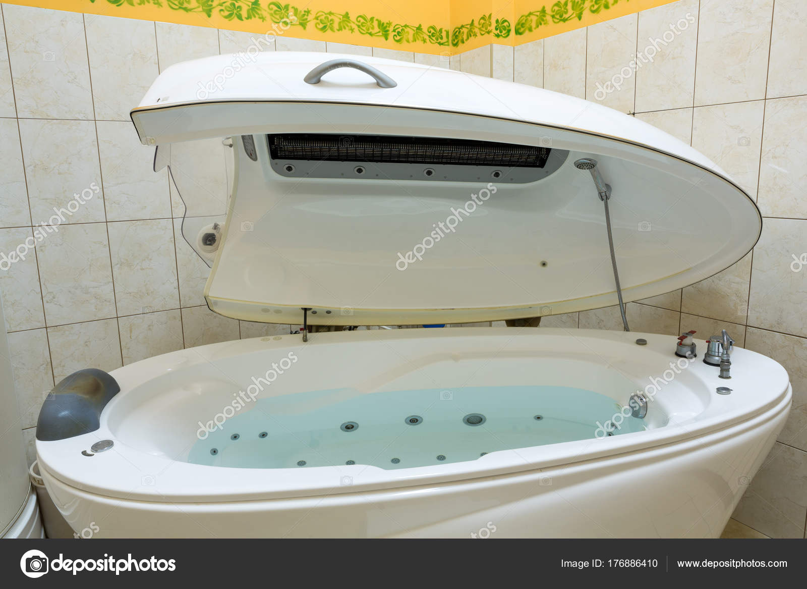 Hydromassage Bathtub Cosmetological Clinic Spa Capsule — Stock Photo ...