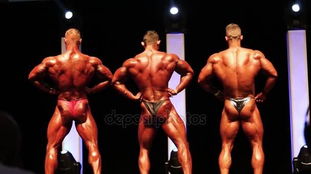 Amateur bodybuilders free pics