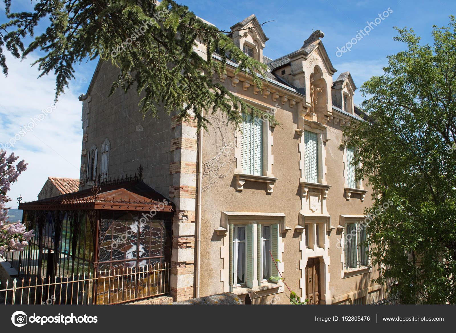 maison de l\'abbé Saunière, ville de rennes le château — Photographie ...