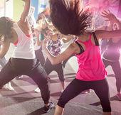 Skupina lidí na městské taneční třída