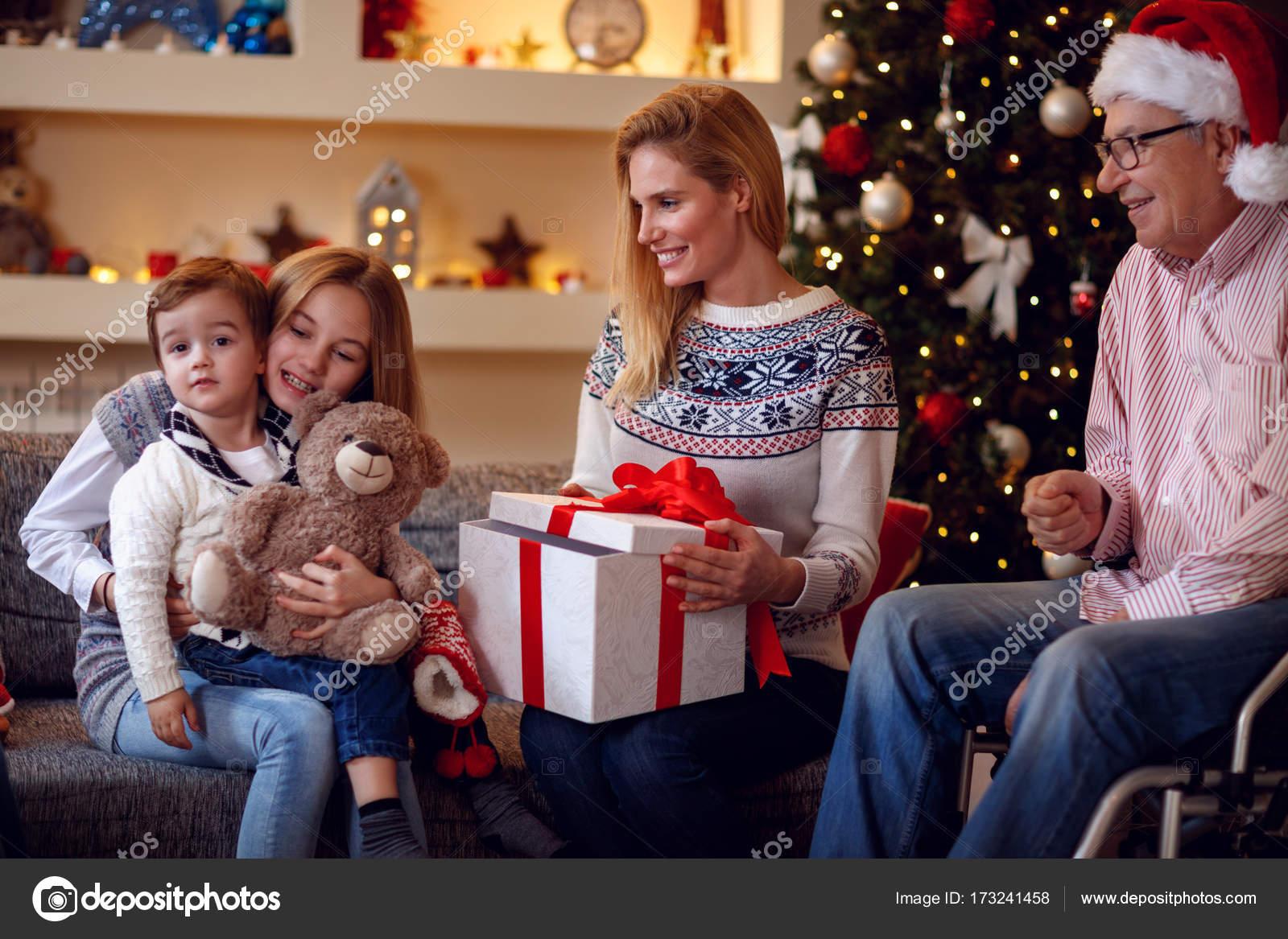 Austausch von Familie Weihnachtsgeschenke zu Weihnachten Geschenke ...