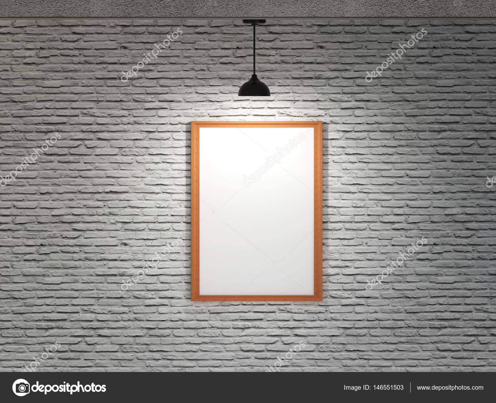 Weiße Tafel auf Ziegelwand mit Deckenleuchte — Stockfoto © bruesw ...
