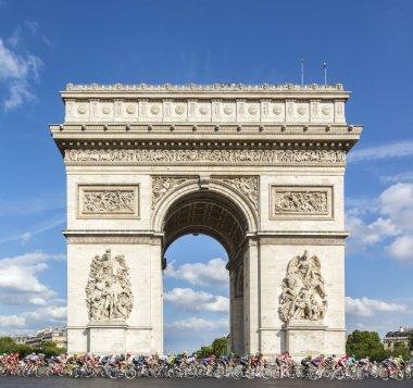 The Peloton in Paris - Tour de France 2016