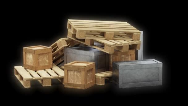 Fordulás Lassú mozgás körül fém és fa közlekedési dobozok raklapokkal a káosz egy fekete háttér