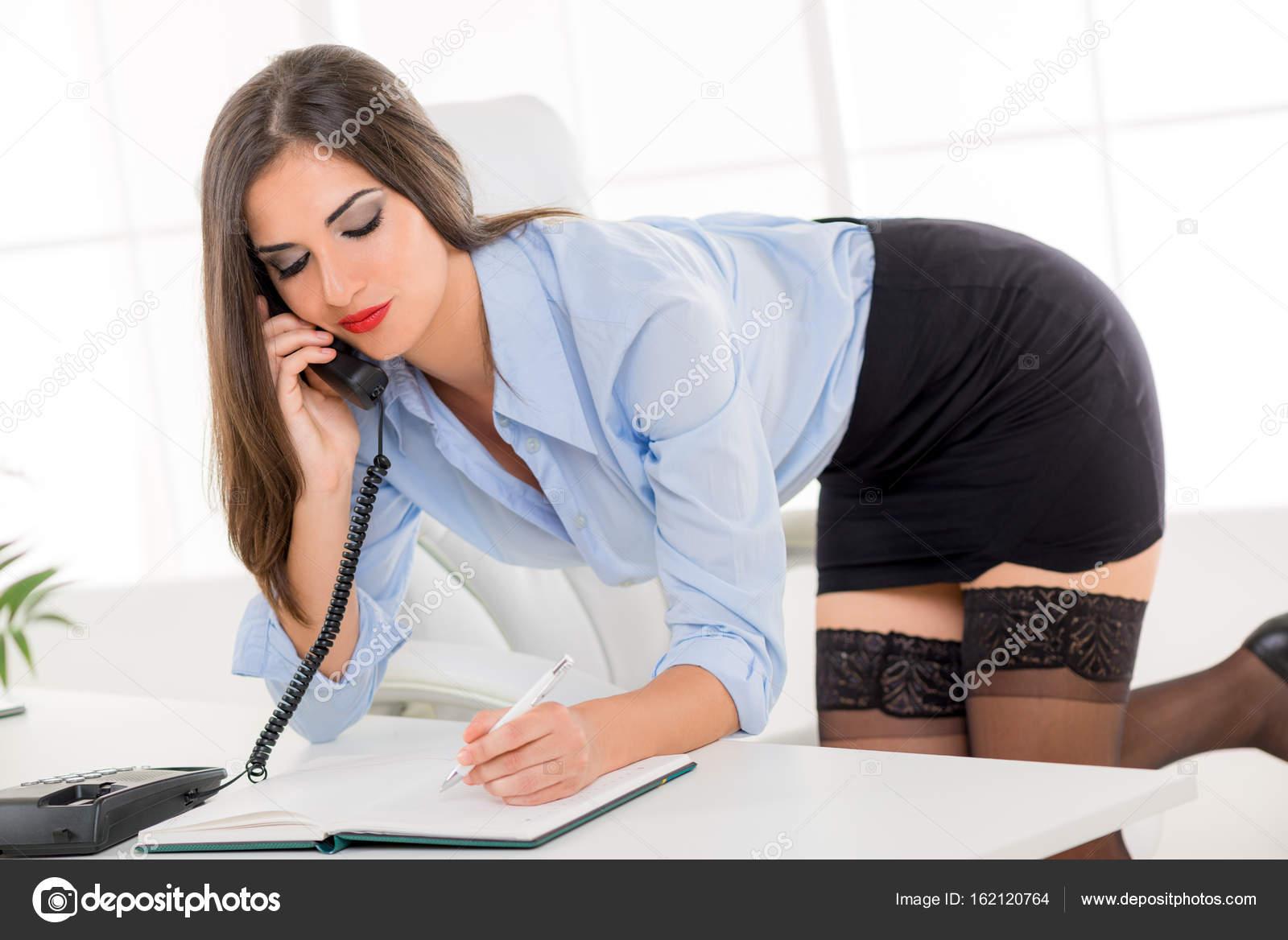 Русский секс в кабинете у босса, Секс с секретаршей, порно в офисе Босс и секретарша 22 фотография