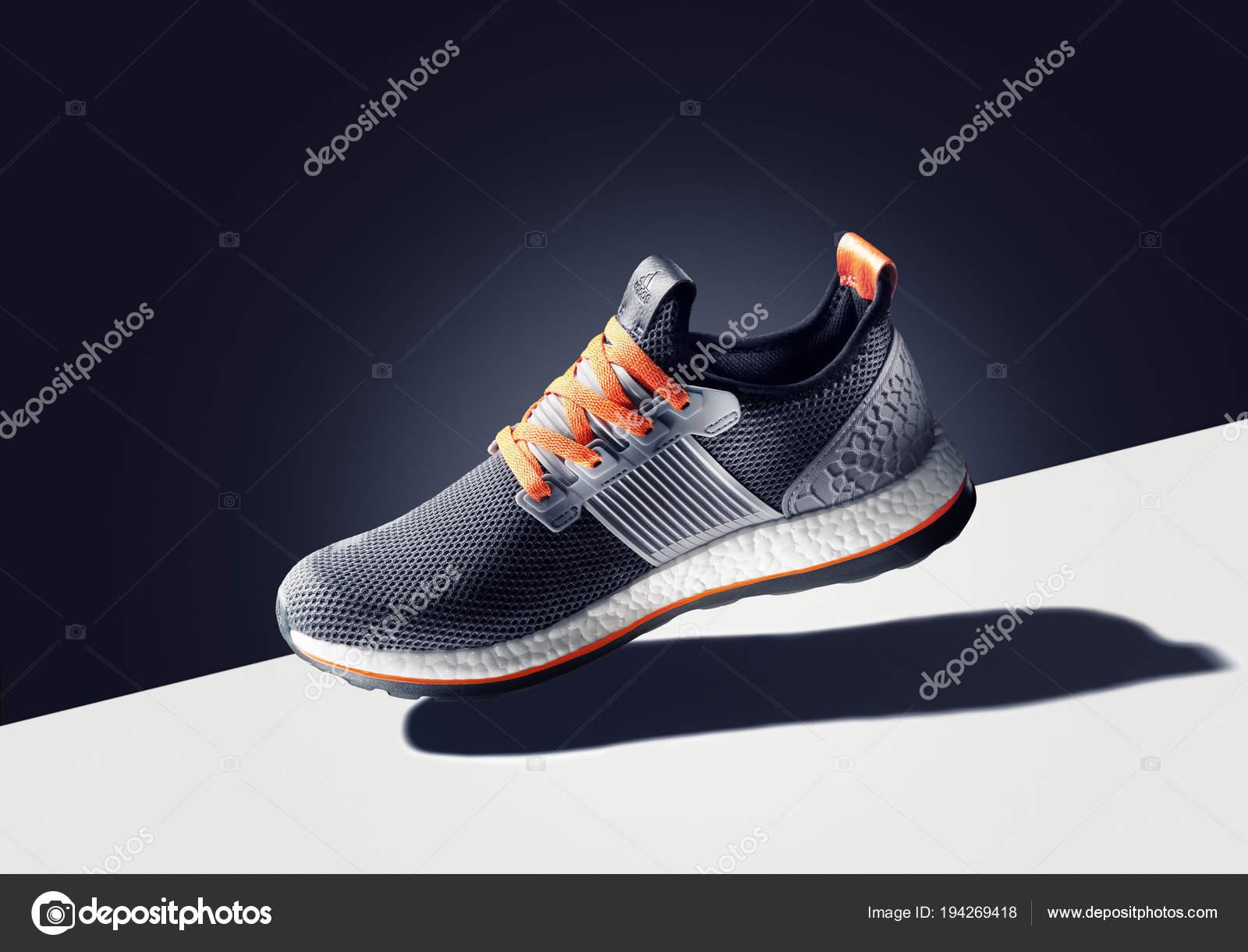 invernadero Lucro pedir  Bangkok Thailand January 2017 Photo Adidas Sport Shoe Color Background –  Stock Editorial Photo © ersler #194269418