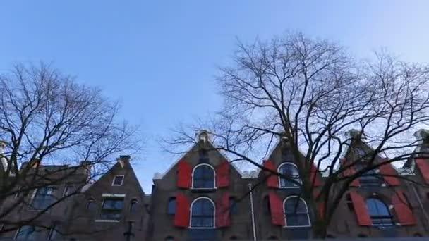 kanály se starými flamish domy