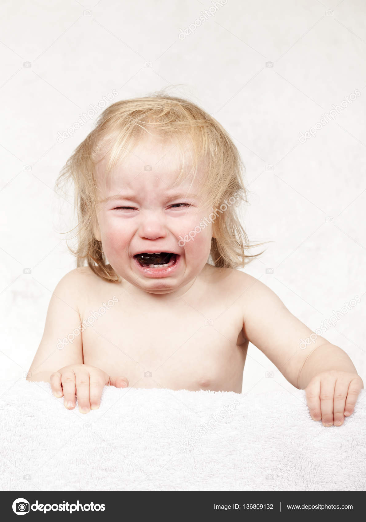 Porträt Der Emotionale Tränen Weinen Baby Kleinkind Blonde