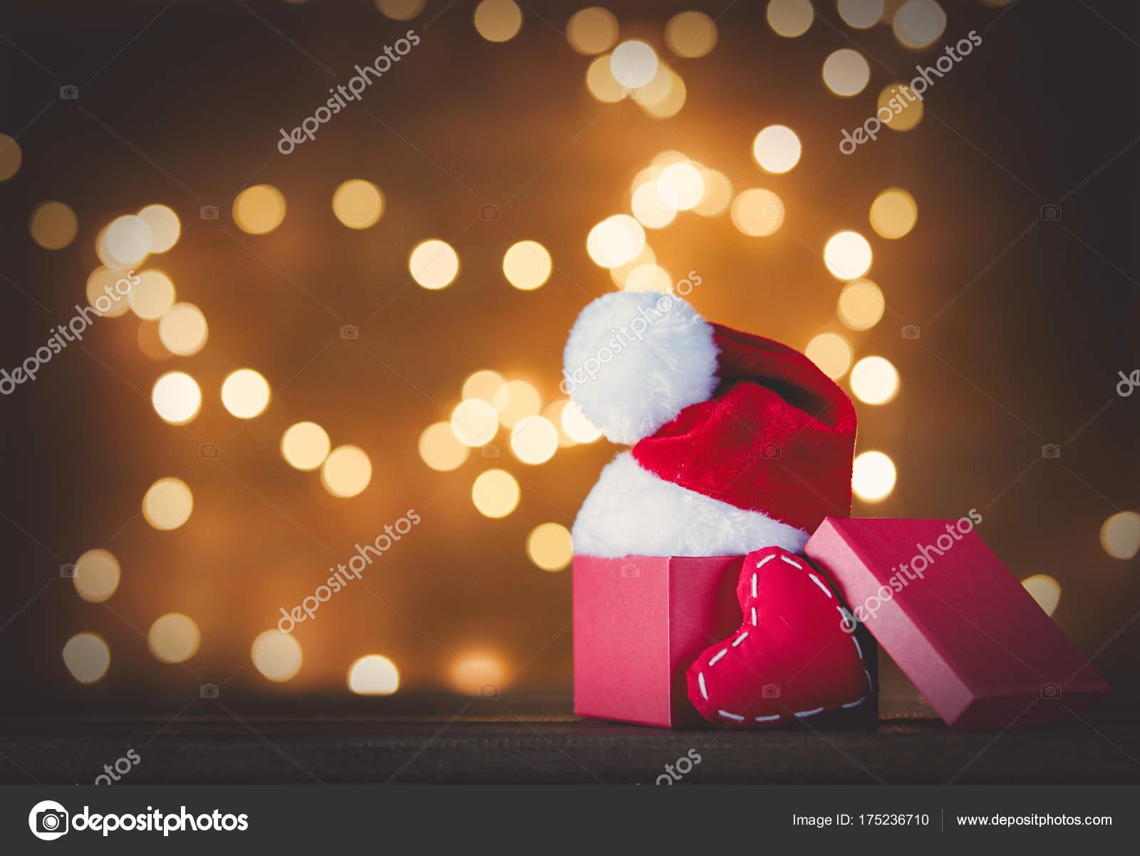 Weihnachtsgeschenkkasten — Stockfoto © massonforstock #175236710