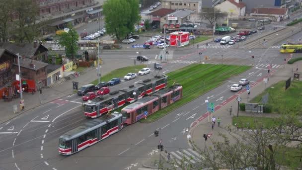 Brno, Česká republika - 24. dubna 2018: Tramvajová doprava v moderní Brno