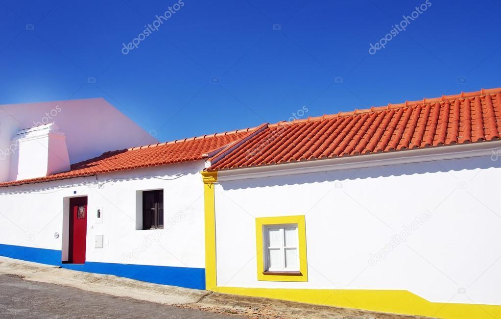 Fachada tradicional de casas antigas alentejo portugal for Fachada tradicional