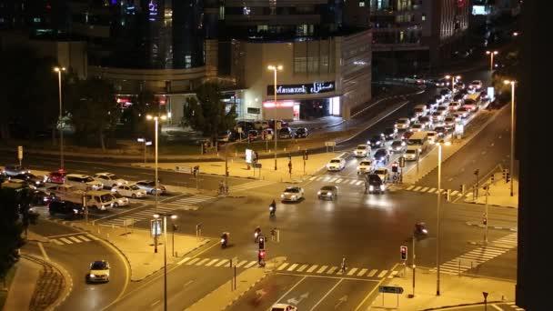 Dubai város forgalom este