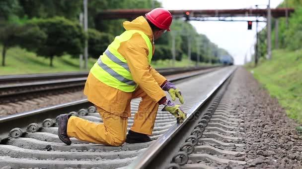 Vasúti munkás sárga egységes