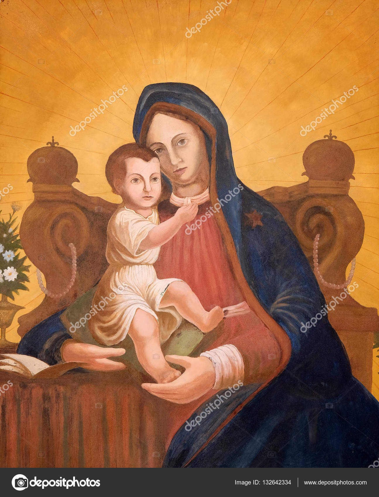 987cdc3c26330 Vierge Marie avec l enfant Jésus — Photo éditoriale © zatletic ...