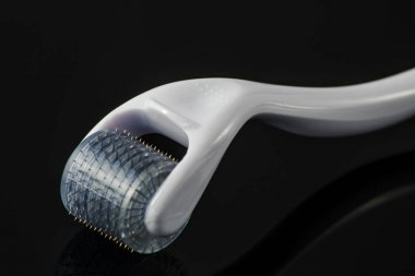 Derma roller for medical micro needling therapy.