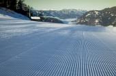 Zimní pohled na hory, lyžařské středisko