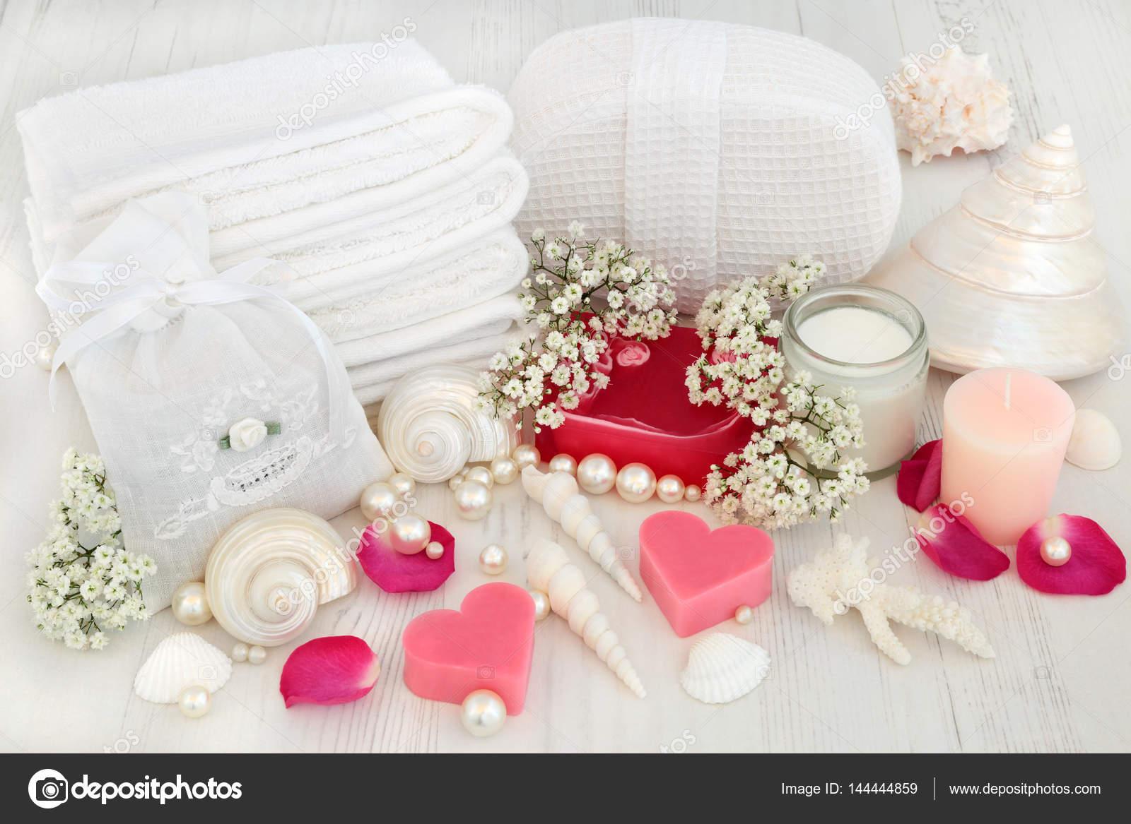 Prodotti da bagno Spa — Foto Stock © marilyna #144444859