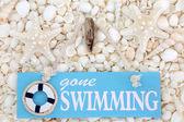 Pryč, plavání znak na mušle