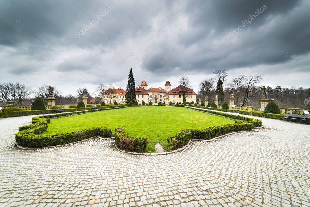 Фотообои Part of Ksiaz Castle