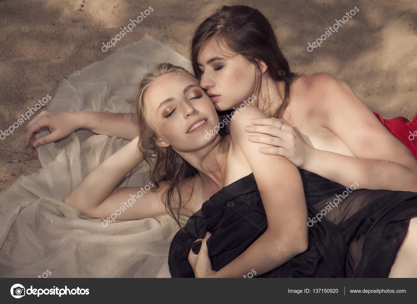 Due nero lesbiche