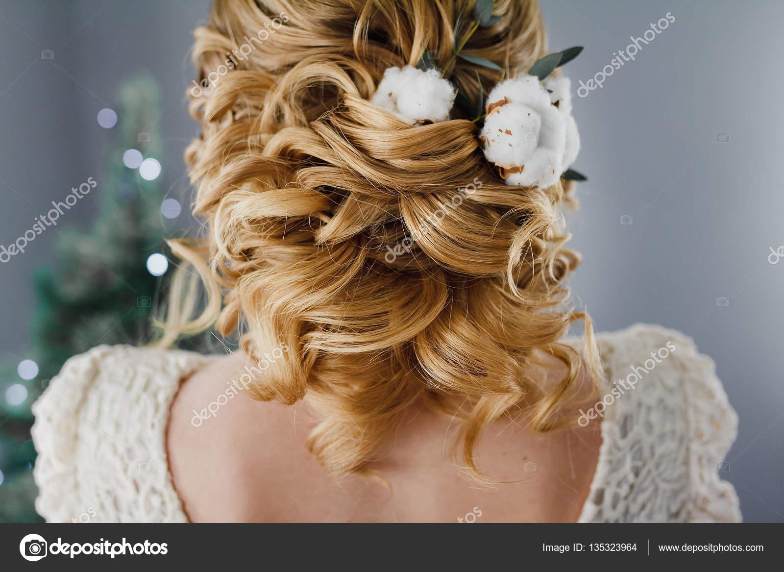 Coiffure pour mariage fleur