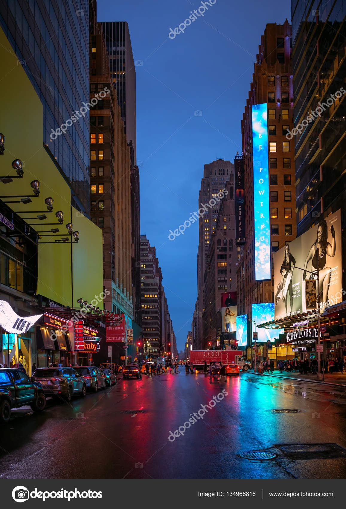 Pictures Night Time New York City New York City Streets At Night Time Stock Editorial Photo C Palinchak 134966816